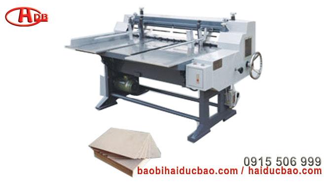 Máy cắt tấm bìa hộp cứng bán tự động, Model HM-135